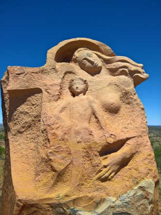 sculpture-1834172_1920